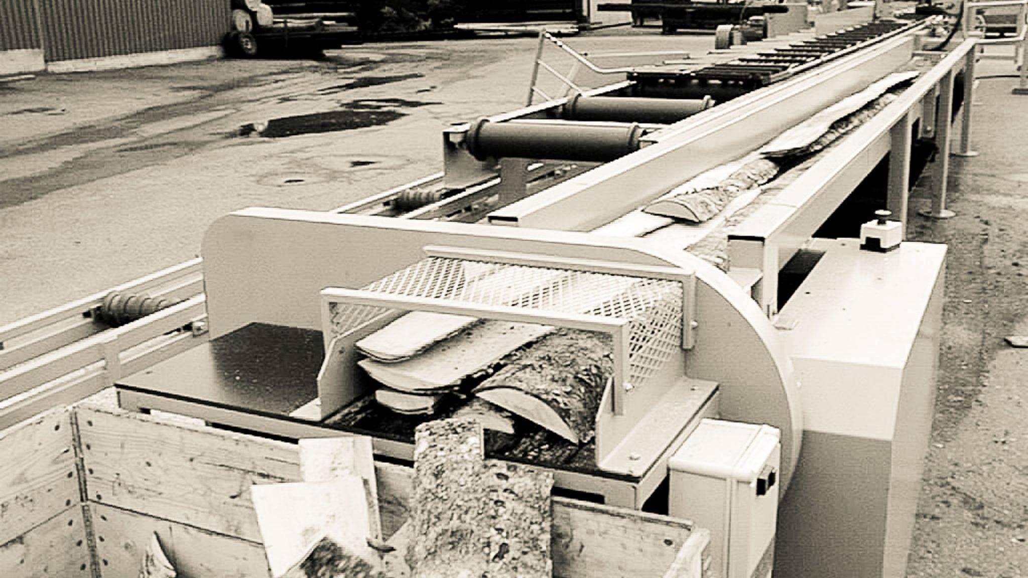 Cross-cut saw for slabs